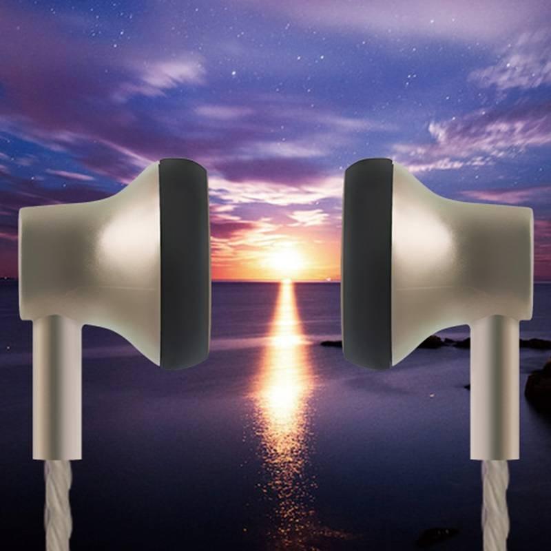 ROVSKI  wired earphone L8